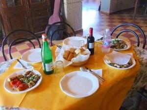 アグリツーリズモの料理教室後の試食タイム