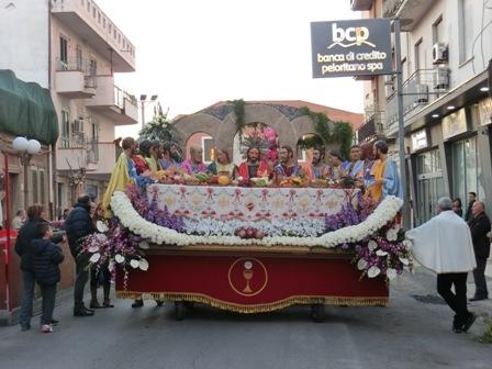 聖金曜日の山車行列と、復活祭について
