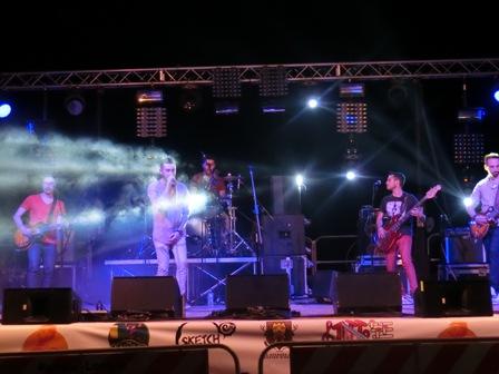 アチレアーレで無料ライブ「Nobraino」