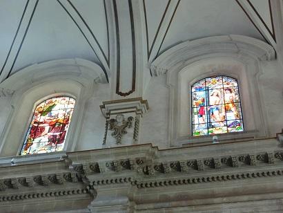 ラグーザイブラ地区の大聖堂のステンドグラス