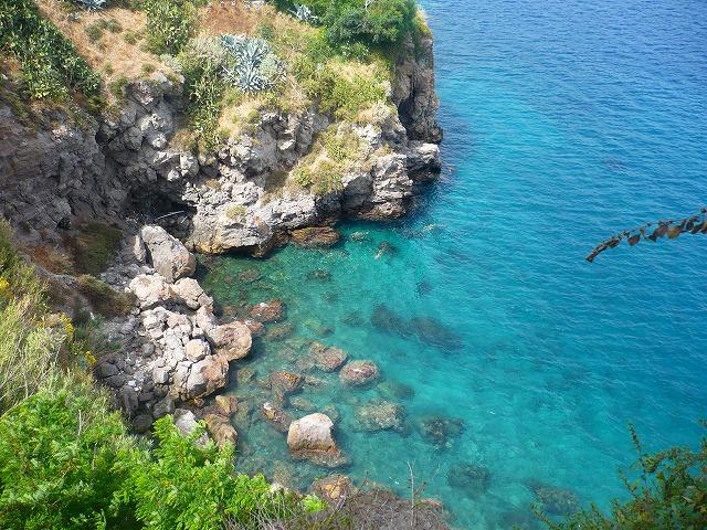 リパリ島とヴルカーノ島周遊のミニクルーズ