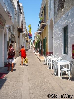 ワインも美味しいサリーナ島@エオリエ諸島